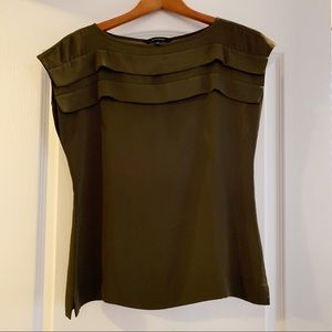 Olive Banana Republic cap sleeve blouse Size XS